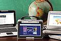 Netbooks y globo terráqueo