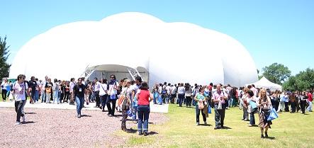 Carpa en el Campus Miguelete